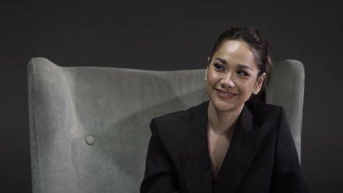 Dinilai Mirip Kisah Hidupnya Alasan BCL Rilis Ulang Lagu Love Story